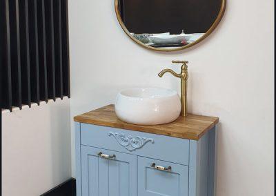 ארון-אמבטיה-פרובאנס-צבע-תכלת-משטח-בוצר-ארונות-אמבטיה-600x800